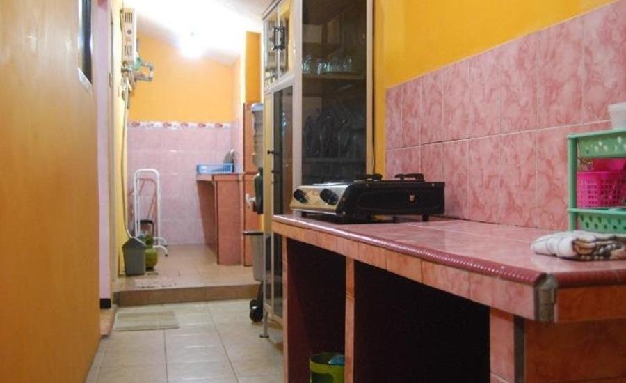Homestay Villa Vivi Malang Dapur