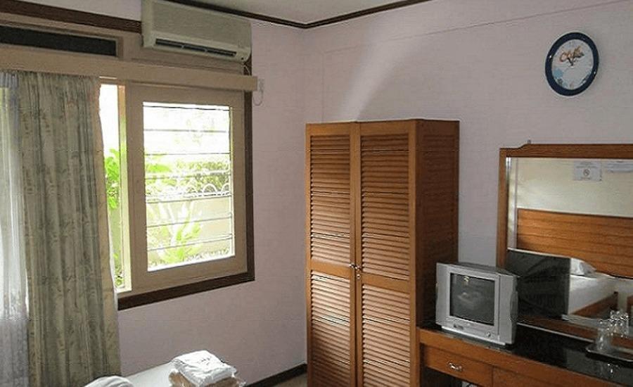 Tinggal Standard Syariah Jalan Kalibokor Selatan Surabaya - Kamar tamu