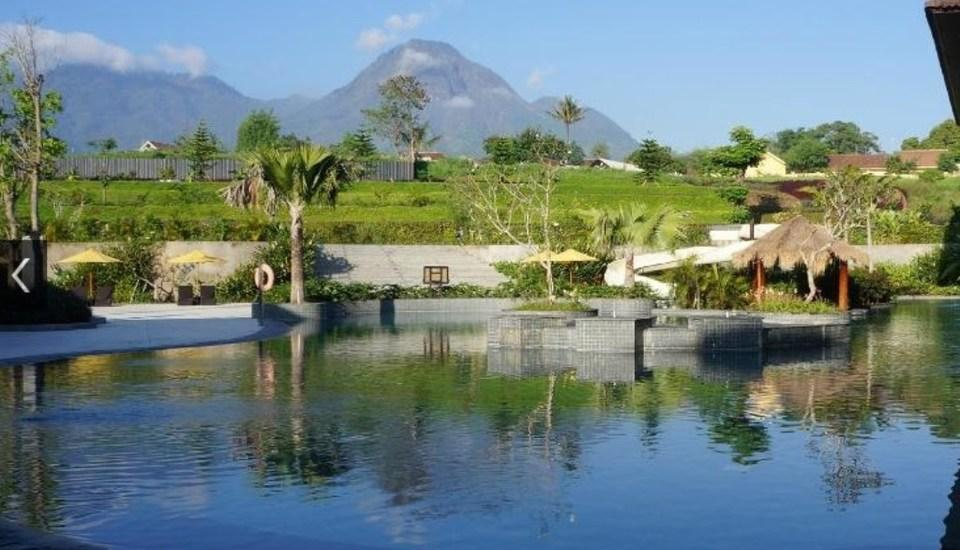 The Singhasari Resort Batu - Premiere Panderman Mountain and Pool View Room Best Deal Promo