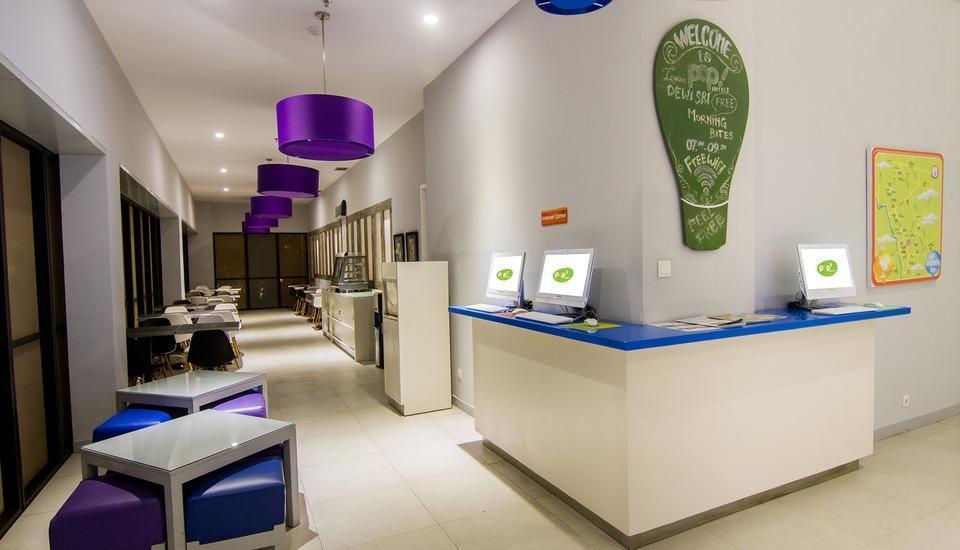 POP! Hotel Legian Dewi Sri - Internet Corner