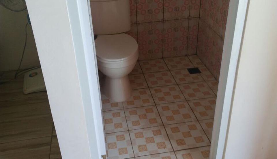 Penginapan Karanglaut Sayangheulang Garut - kamar mandi