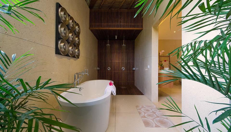 Villa Kinaree Estate Seminyak - Bak mandi