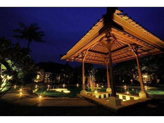 Sukun Bali Cottages Bali - bar kolam renang