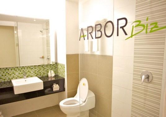 Arbor Biz Hotel Makassar - Kamar Mandi