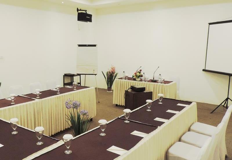 Arbor Biz Hotel Makassar - Meeting Room
