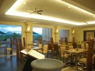 Mason Pine Hotel Bandung - Kafe