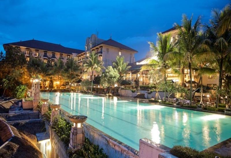 Mason Pine Hotel Bandung - Kolam Renang