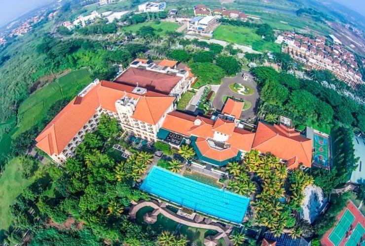 Mason Pine Hotel Bandung - Surroundings