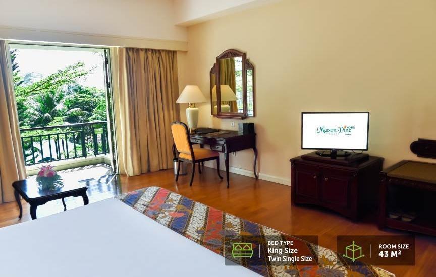 Mason Pine Hotel Bandung - Premier King Size Bed