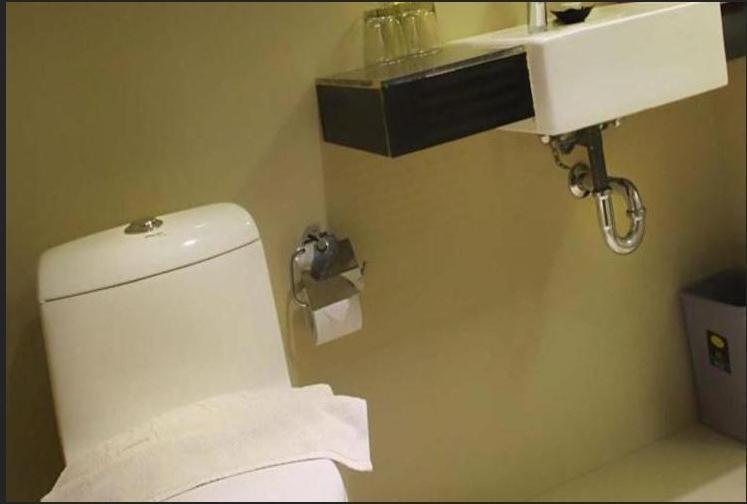 Dragon Inn Kendari - Toilet