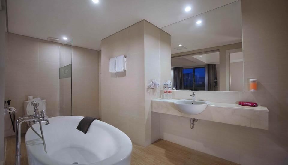 favehotel Makassar - Kamar Mandi Suite