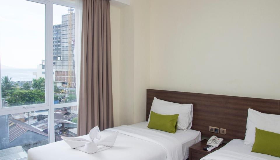 Green Eden Hotel Manado - Deluxe Twin City View