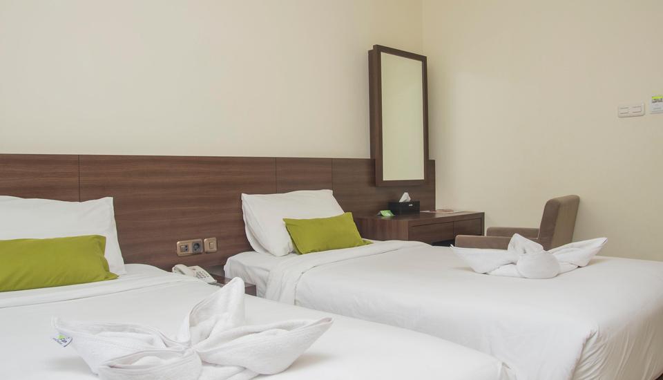Green Eden Hotel Manado - Deluxe Twin Sea View Regular Plan