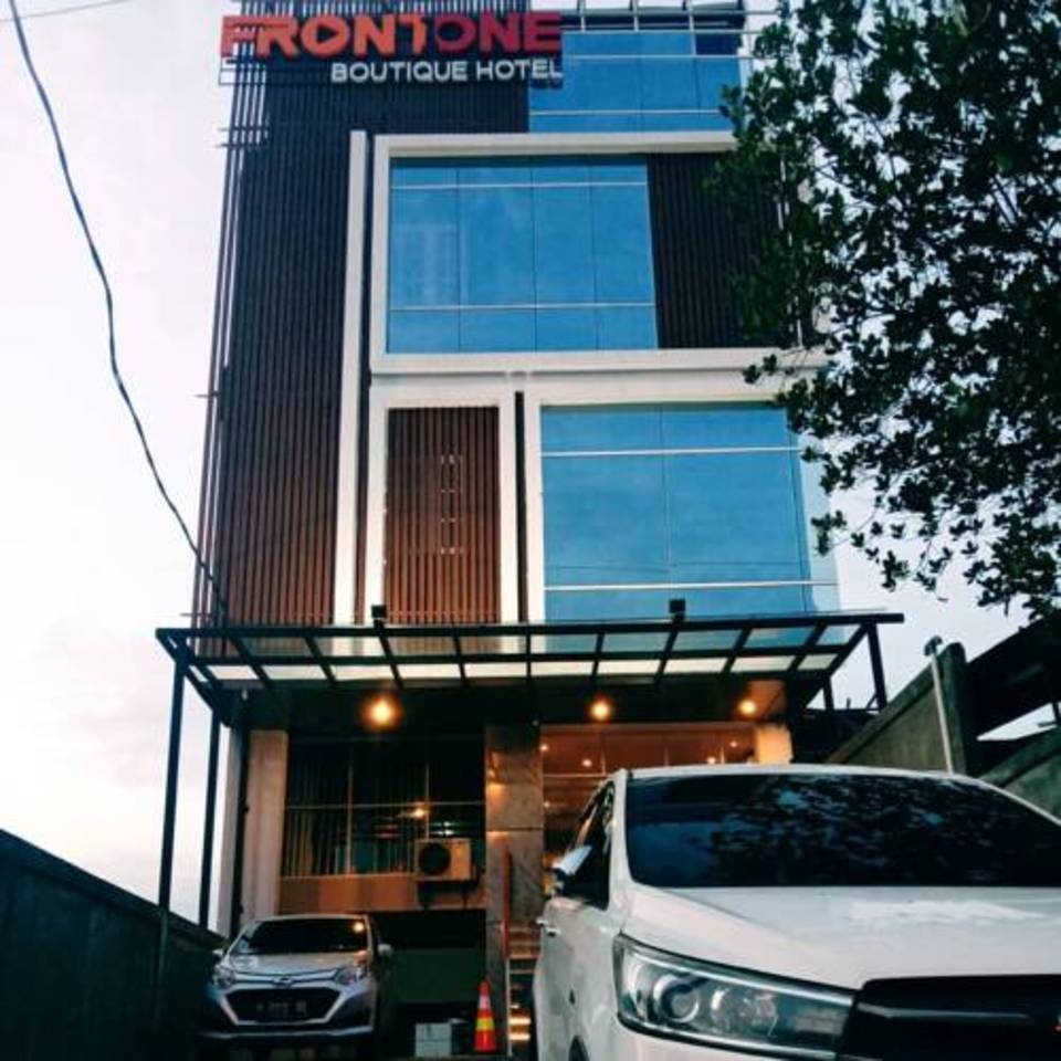 Front One Boutique Tugu Muda Semarang