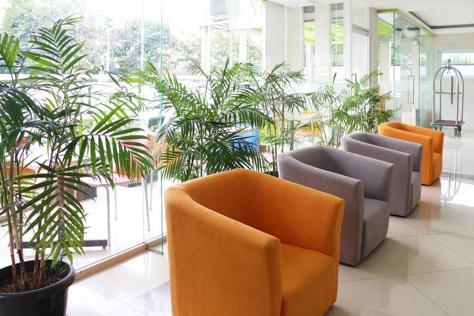 Airy Karamat Bhayangkara 127 Sukabumi - Lobby
