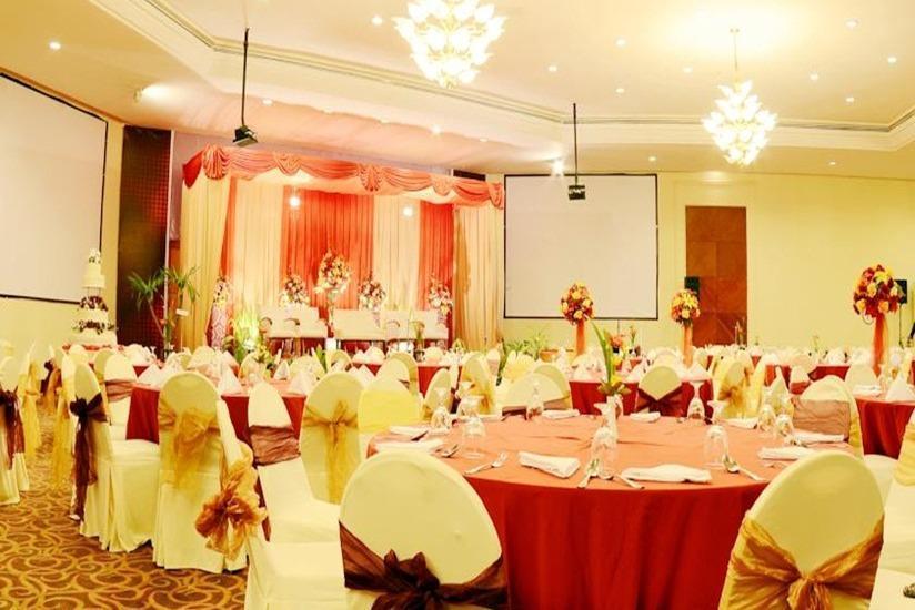 Hotel Aryaduta Manado - Ballroom