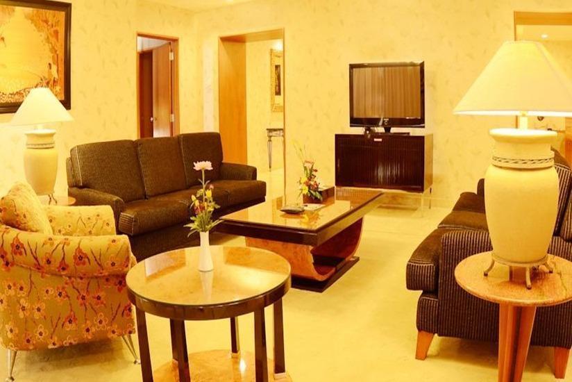 Hotel Aryaduta Manado - Ruang tamu