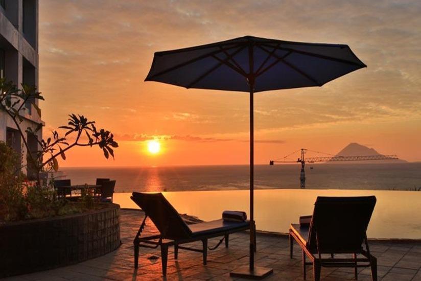 Hotel Aryaduta Manado - Kolam Renang