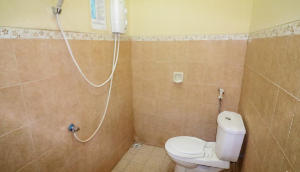 NIDA Rooms Surabaya Nginden Intan Barat Surabaya - Kamar mandi
