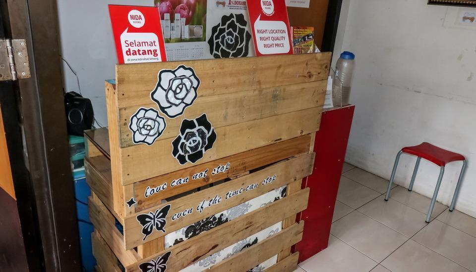 NIDA Rooms Surabaya Nginden Intan Barat Surabaya - Resepsionis