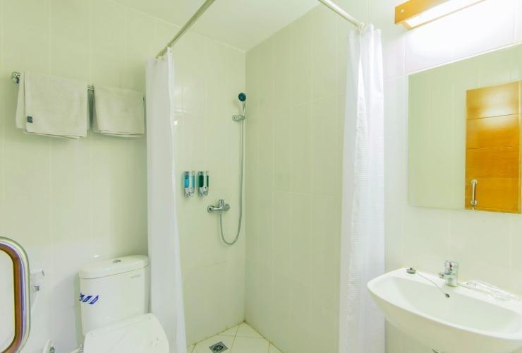 New Moonlight Hotel Bandung - Bath
