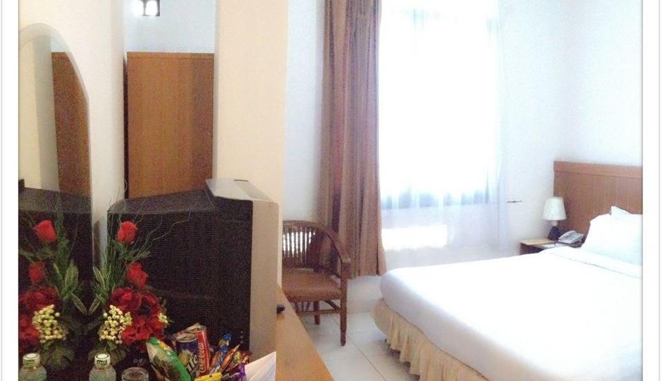 Havilla Maranatha Hotel Padang - Deluxe Double Bed