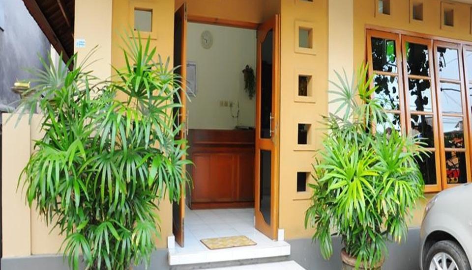 Jesen's Inn 3 Bali - Pintu masuk utama