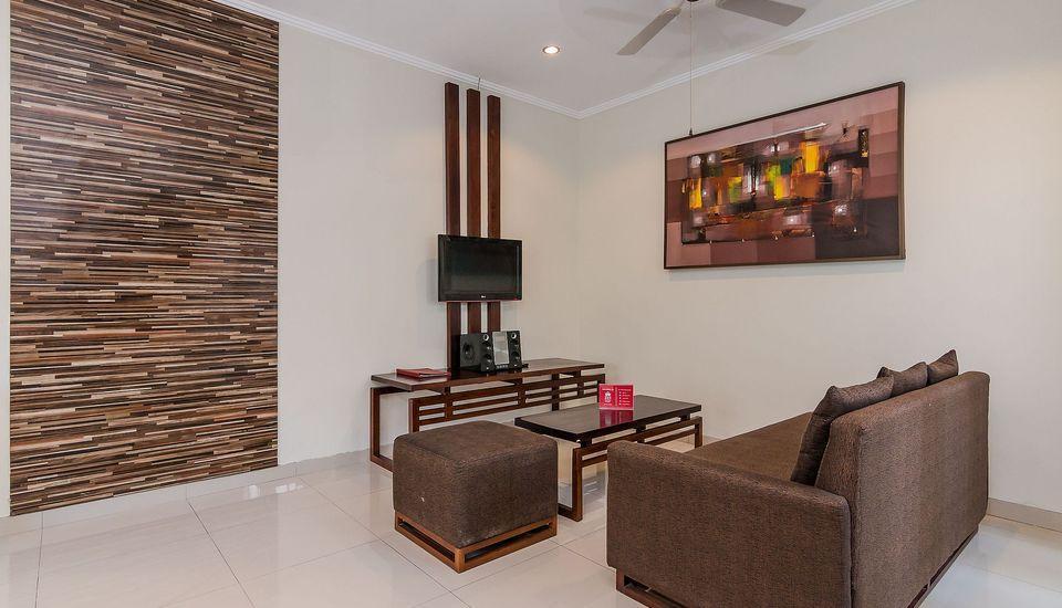 ZEN Premium Kerobokan Seminyak Villa Bali - Lobi