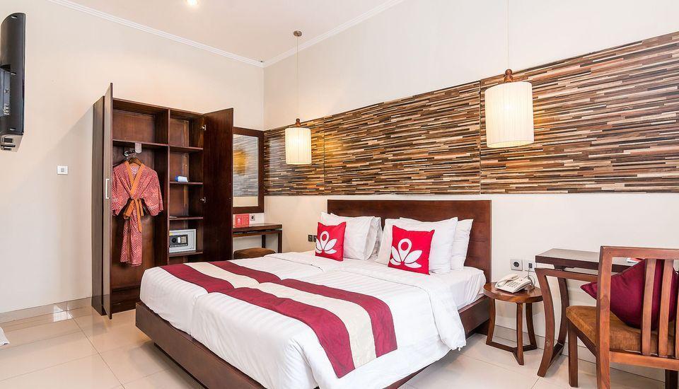 ZEN Premium Kerobokan Seminyak Villa Bali - Tampak keseluruhan