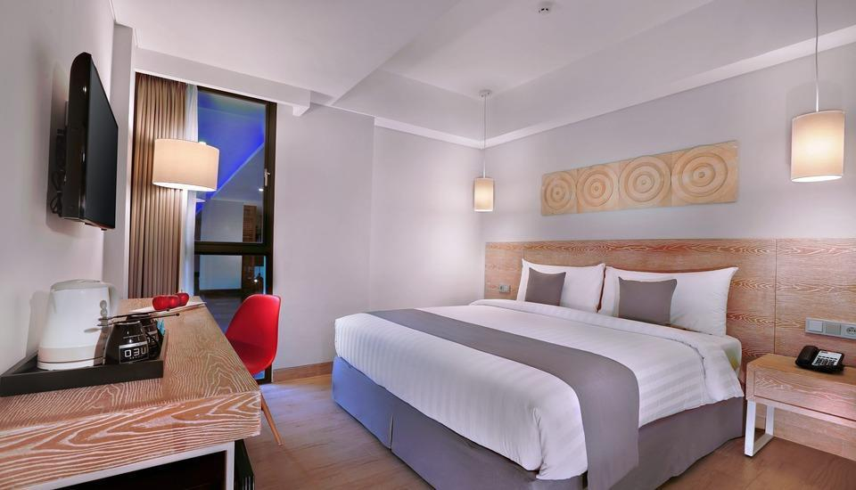 Neo+ Kuta Legian - Standard Room with Breakfast Regular Plan