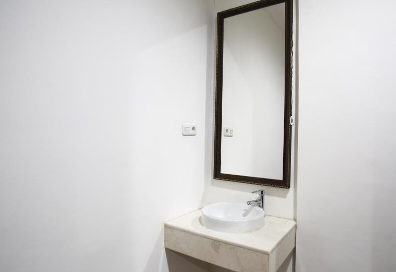 RedDoorz at Penjernihan - Kamar mandi