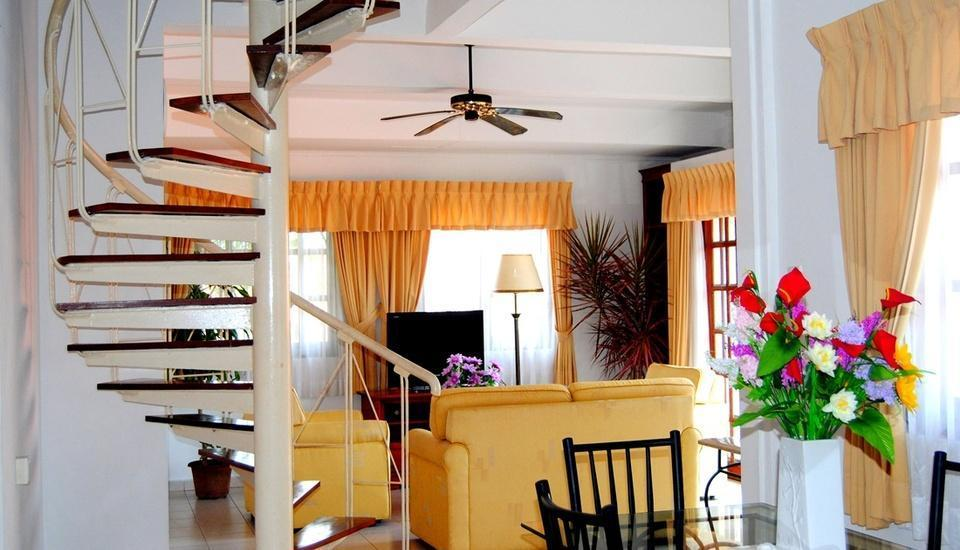 Nongsa Point Marina & Resort Batam - Chalet Living Room