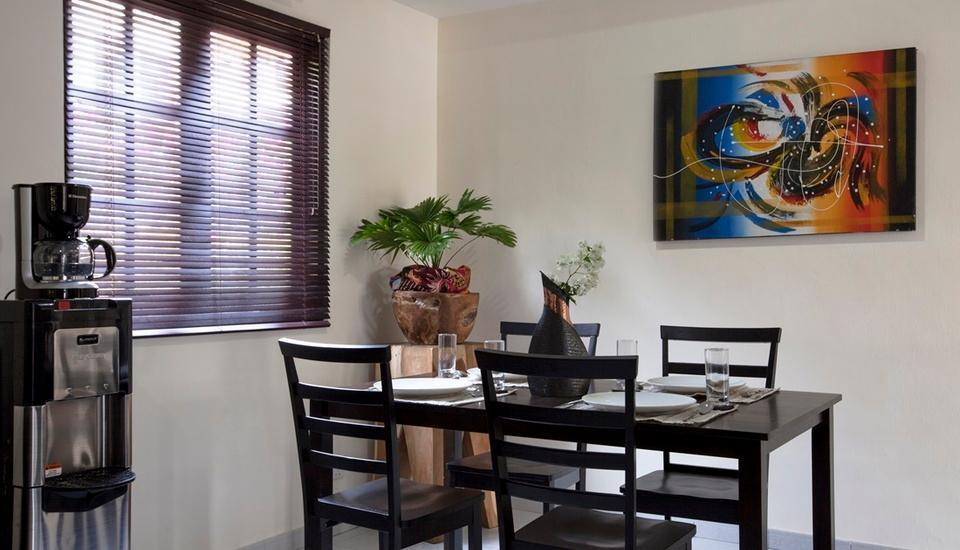 Nongsa Point Marina & Resort Batam - Deluxe Villa Dinning Area