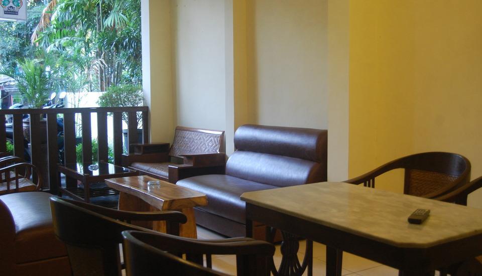 Hotel Sagan Huis Yogyakarta - share lounge tv