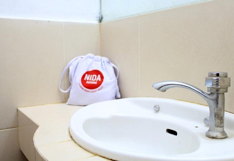 NIDA Rooms South Alun-Alun Kraton 4 Jogja - Kamar mandi