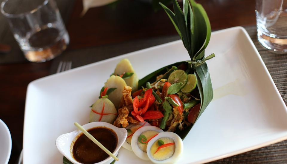 Visesa Ubud Resort Bali - Meal