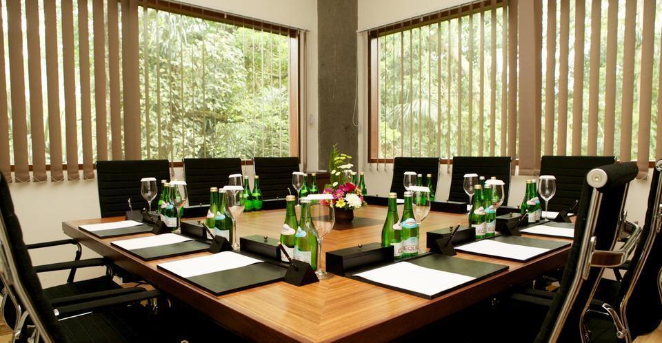 Royal Tulip Visesa Ubud Bali - Meeting Room