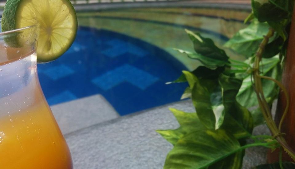 KJ Hotel Yogyakarta Yogyakarta - pool bar