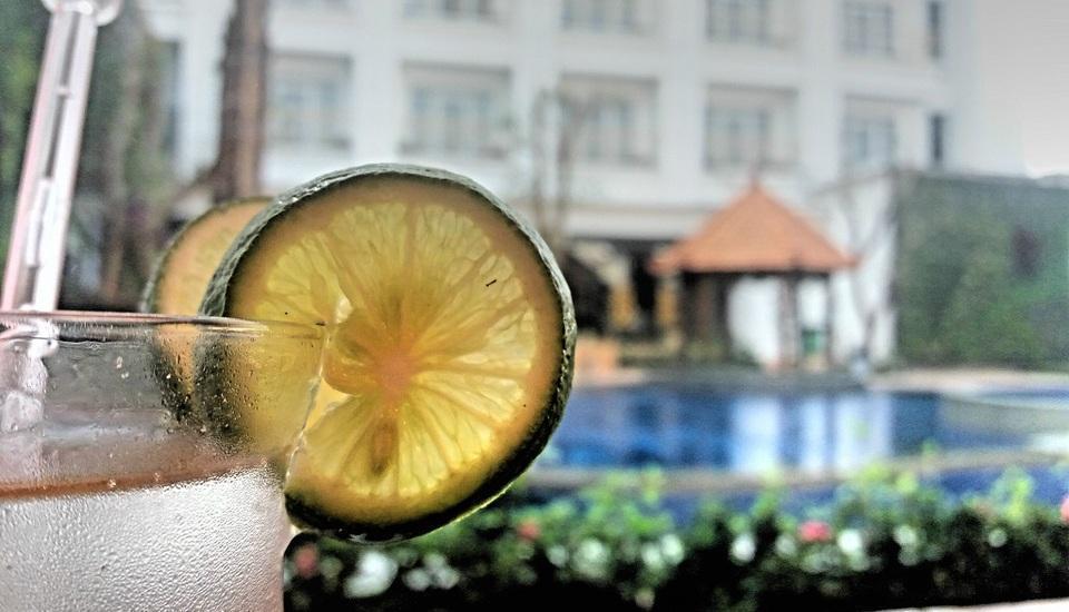 KJ Hotel Yogyakarta Yogyakarta - kolam renang