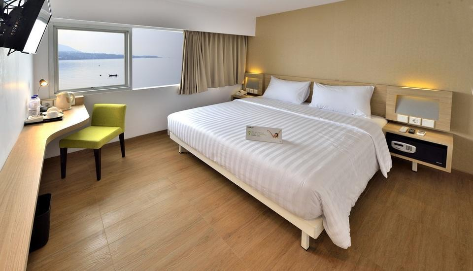 Whiz Prime Megamas Manado - Guest Room
