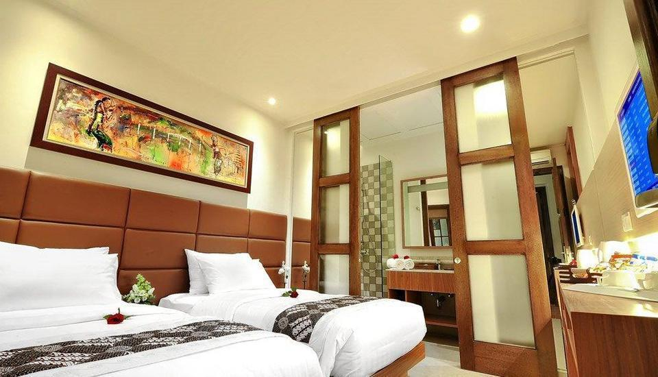 Alron Hotel Kuta - Family Room Only  Last Minutes Deal