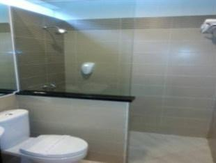 DRiam Resort Ciwidey Bandung - Bathroom