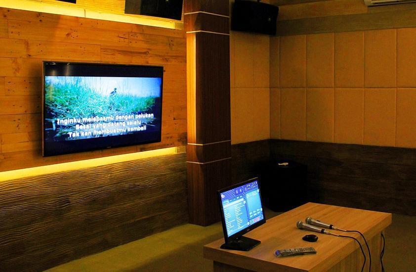 DRiam Resort Ciwidey Bandung - Karaoke Room
