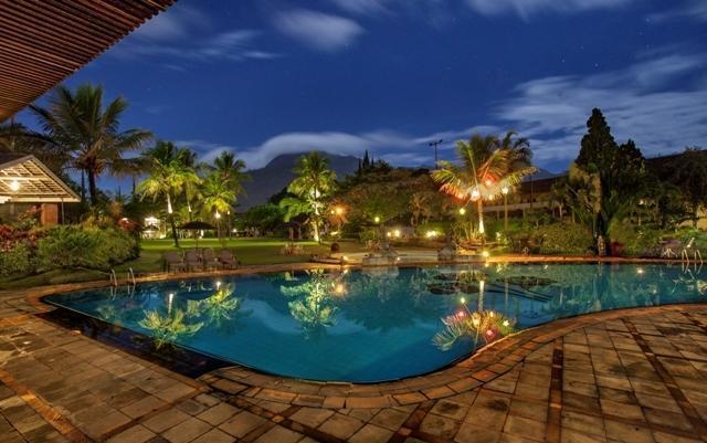 Kartika Wijaya Batu Heritage Hotel Malang - KOLAM RENANG YANG BENTUKNYA