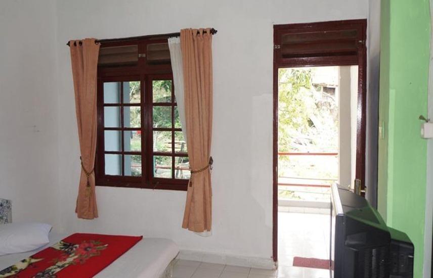 Hotel Ambaroba Resort Samosir - Kamar tamu