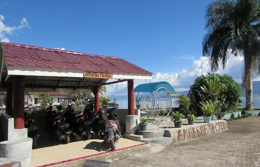 Hotel Ambaroba Resort Samosir - Eksterior