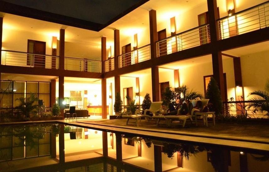Jazz Hotel Palu Palu - pemandangan