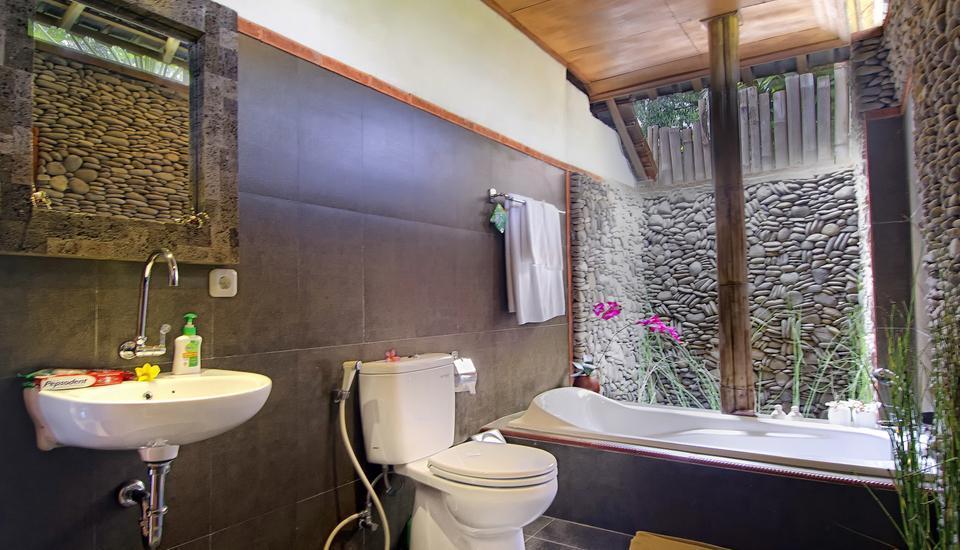 Pajar House Ubud Bali - Kamar mandi