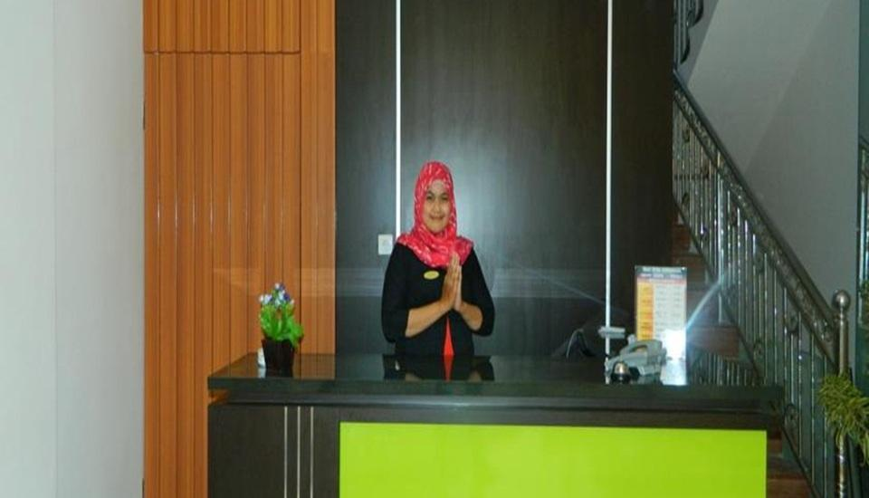 Hasanah Guest House Malang - Resepsionis