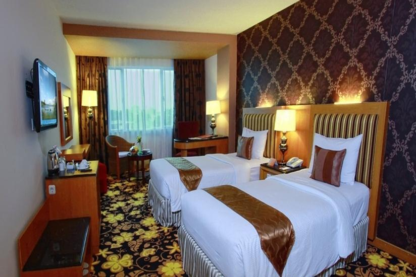 Grand Rocky Hotel Bukittinggi - Deluxe Room Only Regular Plan